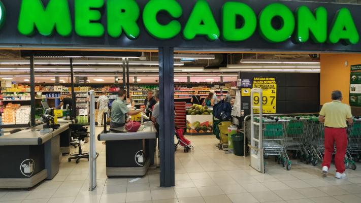 mercat-11-setembre-mercadona-supermercat-front-entrada