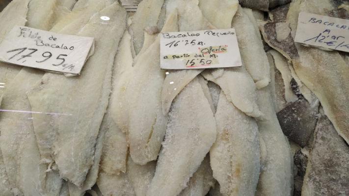 mercat-11-setembre-productes-pesca-salada-maite-bacalao