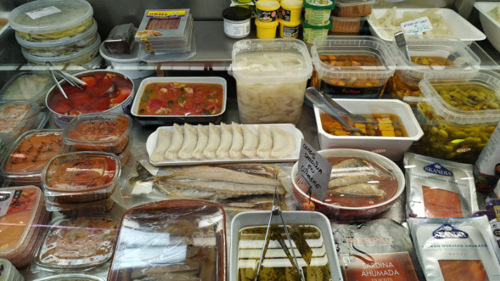 mercat-11-setembre-productes-pesca-salada-maite-elaborados